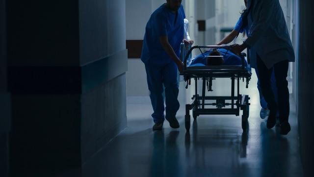 看護師 1年目 辞めたい 労働環境