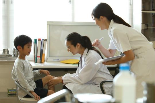 看護師 保健室 学校